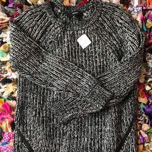 Forever 21 Black & White Sweater Size S
